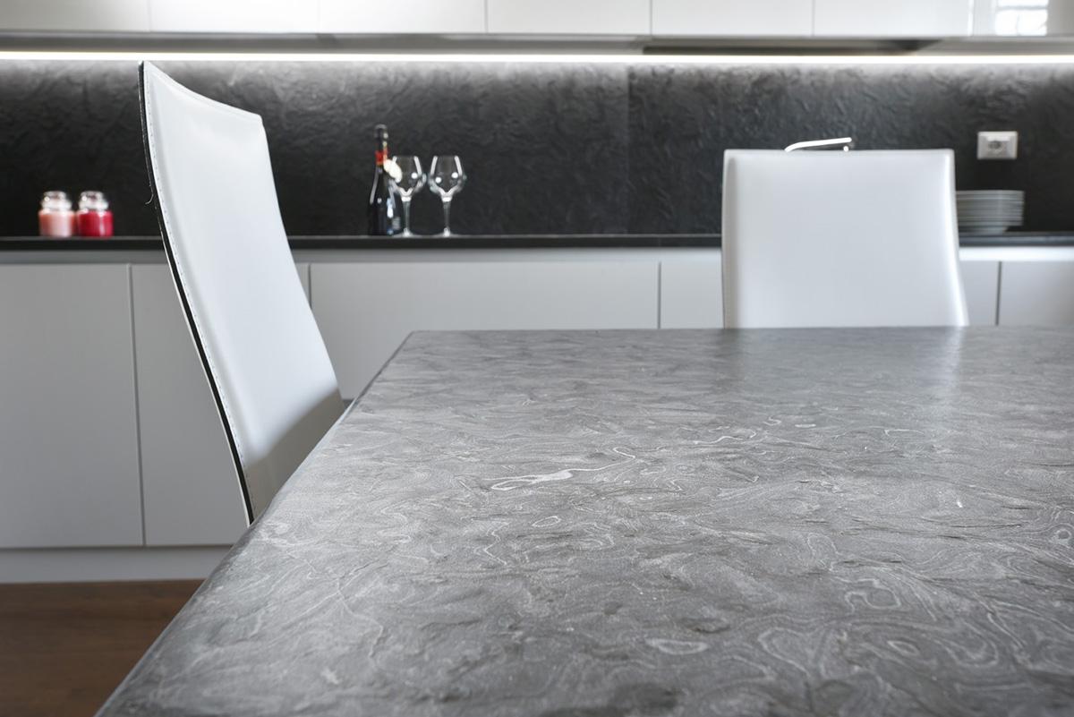 Cucina mermo nero tavolo imax falegnameria for Tavolo cucina nero