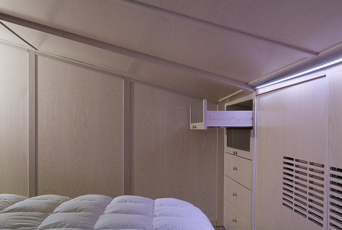 Armadio sottotetto cabina armadio sottotetto basso cabina armadio mansarda cabina armadio nel - Armadio sottotetto ...